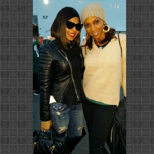 Ashanti and Holly Robinson-Peete