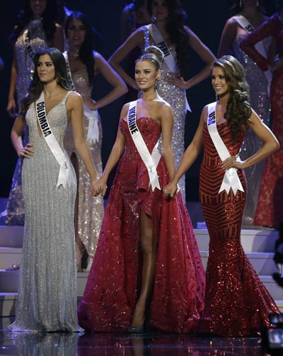 Paulina Vega, Diana Harkusha, Nia Sanchez